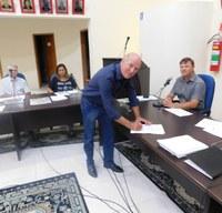 Mesa Diretora realizou ato de Posse do Sr. Deoclécio Vinston Lerm no cargo de Vereador